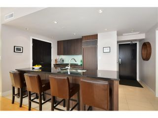 """Photo 2: # 704 1455 HOWE ST in Vancouver: Yaletown Condo for sale in """"POMARIA"""" (Vancouver West)  : MLS®# V1010474"""
