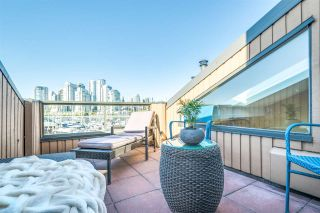 """Photo 18: 1012 IRONWORK Passage in Vancouver: False Creek Townhouse for sale in """"MARINE MEWS"""" (Vancouver West)  : MLS®# R2207669"""