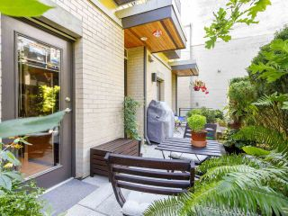"""Photo 3: 3790 COMMERCIAL Street in Vancouver: Victoria VE Townhouse for sale in """"BRIX"""" (Vancouver East)  : MLS®# R2487302"""