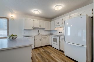 Photo 8: 150 Somervale Point SW in Calgary: Somerset Row/Townhouse for sale : MLS®# A1130189