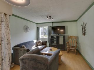 "Photo 7: 44 6871 FRANCIS Road in Richmond: Woodwards Townhouse for sale in ""Timberwood Village"" : MLS®# R2495957"