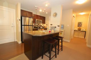 """Photo 5: 401 2468 ATKINS Avenue in Port Coquitlam: Central Pt Coquitlam Condo for sale in """"THE BORDEAUX"""" : MLS®# R2019309"""