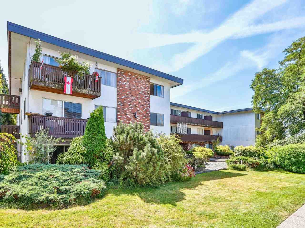 """Main Photo: 301 910 FIFTH Avenue in New Westminster: Uptown NW Condo for sale in """"Grosvenor Court"""" : MLS®# R2478805"""