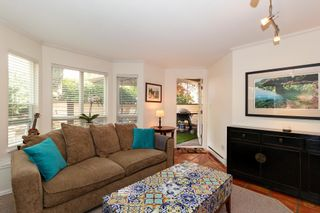 "Photo 3: 101 123 E 6TH Street in North Vancouver: Lower Lonsdale Condo for sale in ""HARBOURGATE"" : MLS®# R2364777"