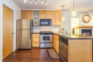 Photo 4: 979 RICHARDS Street in Vancouver: Downtown VW Townhouse for sale (Vancouver West)  : MLS®# R2180094