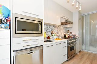 Photo 5: 306 4355 W 10TH AVENUE in Vancouver: Point Grey Condo for sale (Vancouver West)  : MLS®# R2084869