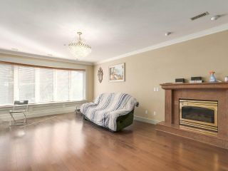 Photo 3: 5725 HOLLAND Street in Vancouver: Southlands House for sale (Vancouver West)  : MLS®# R2206914