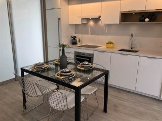 """Photo 8: 908 1661 QUEBEC Street in Vancouver: Mount Pleasant VE Condo for sale in """"Voda"""" (Vancouver East)  : MLS®# R2284074"""