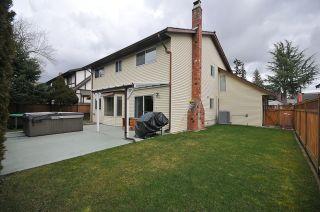 """Photo 2: 6833 CHALET Court in Delta: Sunshine Hills Woods House for sale in """"SUNSHINE HILLS"""" (N. Delta)  : MLS®# F1105430"""