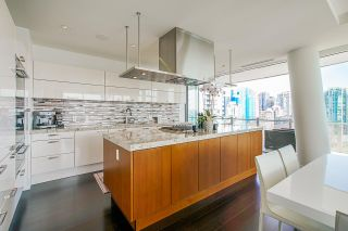 "Photo 11: 1602 1560 HOMER Mews in Vancouver: Yaletown Condo for sale in ""The Erickson"" (Vancouver West)  : MLS®# R2543540"