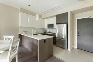 """Photo 6: 319 22 E ROYAL Avenue in New Westminster: Fraserview NW Condo for sale in """"THE LOOKOUT"""" : MLS®# R2601402"""