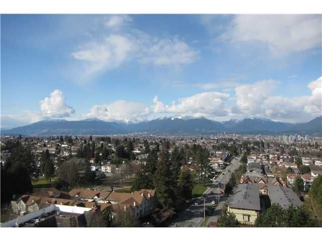 """Photo 3: Photos: 1206 5652 PATTERSON Avenue in Burnaby: Central Park BS Condo for sale in """"CENTRAL PARK PLACE"""" (Burnaby South)  : MLS®# V1044313"""