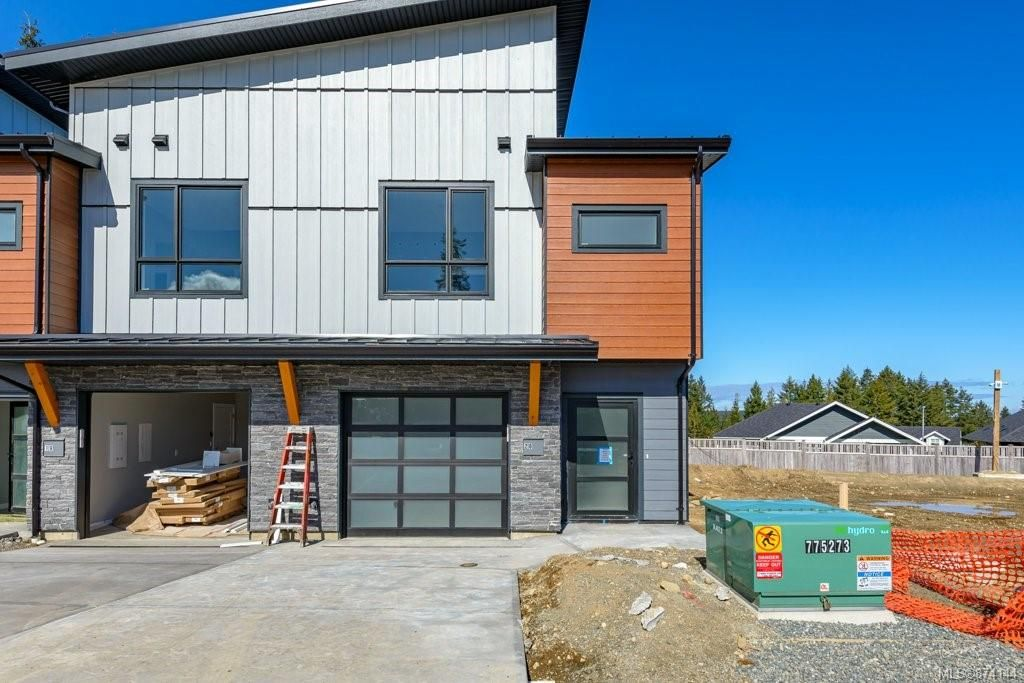 Main Photo: SL 25 623 Crown Isle Blvd in Courtenay: CV Crown Isle Row/Townhouse for sale (Comox Valley)  : MLS®# 874144