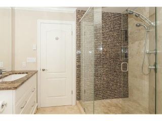 Photo 14: 15252 COLUMBIA AVENUE in South Surrey White Rock: White Rock Home for sale ()  : MLS®# F1449327