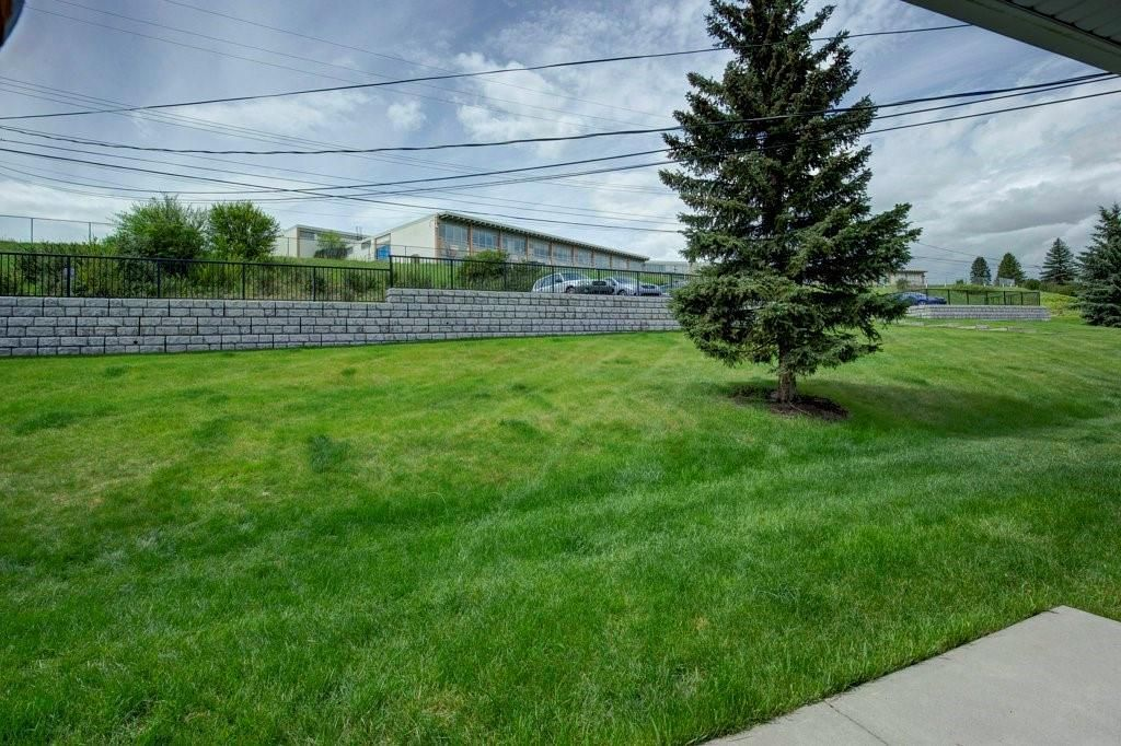 Photo 25: Photos: 615 Merrill Drive NE in Calgary: Winston Heights/Mountview Row/Townhouse for sale : MLS®# C4301720