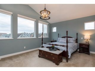 """Photo 14: 2060 RIESLING Drive in Abbotsford: Aberdeen House for sale in """"Pepin Brook"""" : MLS®# R2435586"""