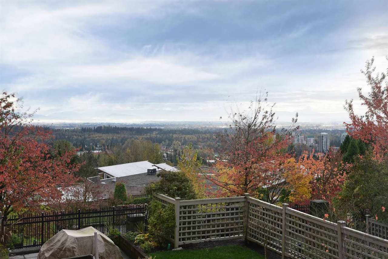 "Photo 8: Photos: 204 1428 PARKWAY Boulevard in Coquitlam: Westwood Plateau Condo for sale in ""Montreaux"" : MLS®# R2132471"