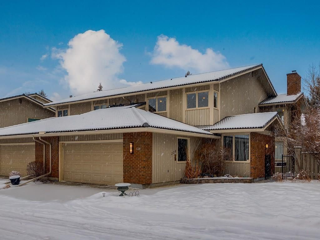 Main Photo: 228 20 MIDPARK Crescent SE in Calgary: Midnapore Semi Detached for sale : MLS®# C4222398