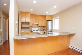 Photo 13: Master on Main in Detached Townhome in Sidney