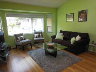 Photo 2: 3855 HAMBER Place in North Vancouver: Indian River House for sale : MLS®# V1117746