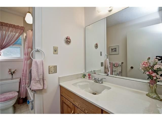 Photo 29: Photos: 210 OAKMOOR Place SW in Calgary: Oakridge House for sale : MLS®# C4091579
