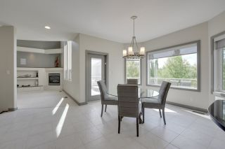 Photo 6: 2414 Tegler Green in Edmonton: Attached Home for sale : MLS®# E4066251