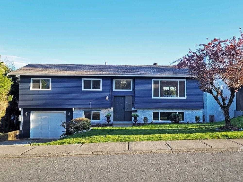 """Main Photo: 34830 MCLEOD Avenue in Abbotsford: Abbotsford East House for sale in """"Upper Ten Oaks"""" : MLS®# R2574673"""