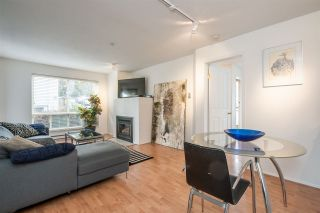 Photo 2: 304 335 CARNARVON STREET in New Westminster: Downtown NW Condo for sale : MLS®# R2448151