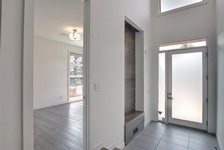 Photo 2: 49 Wexford Crescent SW in Calgary: West Springs Detached for sale : MLS®# A1132308