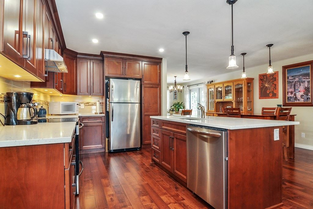 """Main Photo: 19651 46A Avenue in Langley: Langley City House for sale in """"BROOKSWOOD"""" : MLS®# R2492717"""