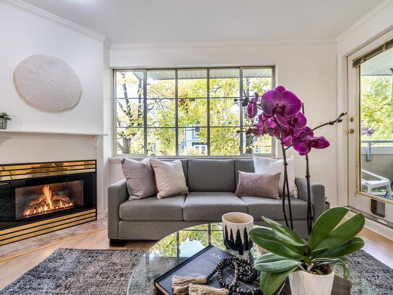 FEATURED LISTING: 203 - 825 15TH Avenue West Vancouver