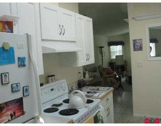 """Photo 8: 81 1840 160 Street in Surrey: King George Corridor Manufactured Home for sale in """"BREAKAWAY BAYS"""" (South Surrey White Rock)  : MLS®# F2721766"""