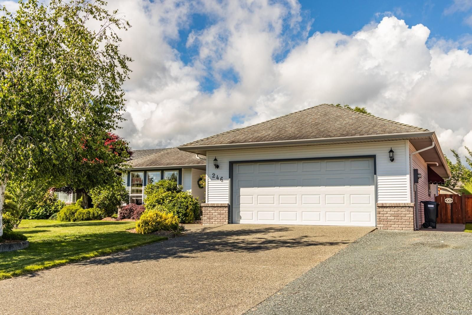 Main Photo: 246 Crabapple Cres in : PQ Parksville House for sale (Parksville/Qualicum)  : MLS®# 878391