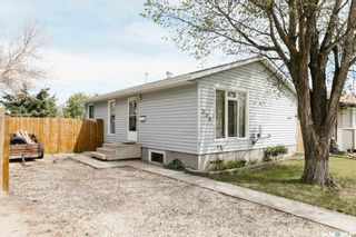 Photo 2: 234 Mowat Crescent in Saskatoon: Pacific Heights Residential for sale : MLS®# SK852816