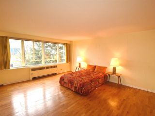 """Photo 11: 408 1445 MARPOLE Avenue in Vancouver: Fairview VW Condo for sale in """"HYCROFT TOWERS"""" (Vancouver West)  : MLS®# R2047974"""