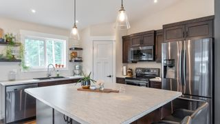 Photo 9: 2140 Southeast 15 Avenue in Salmon Arm: HILLCREST House for sale (SE SALMON ARM)  : MLS®# 10235702