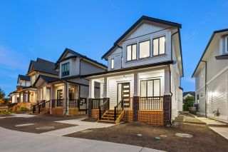 """Photo 40: 4446 STEPHEN LEACOCK Drive in Abbotsford: Abbotsford East House for sale in """"Auguston"""" : MLS®# R2613375"""