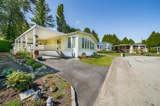 """Photo 36: 2 13507 81 Avenue in Surrey: Queen Mary Park Surrey Manufactured Home for sale in """"Park Boulevard Estates"""" : MLS®# R2460822"""