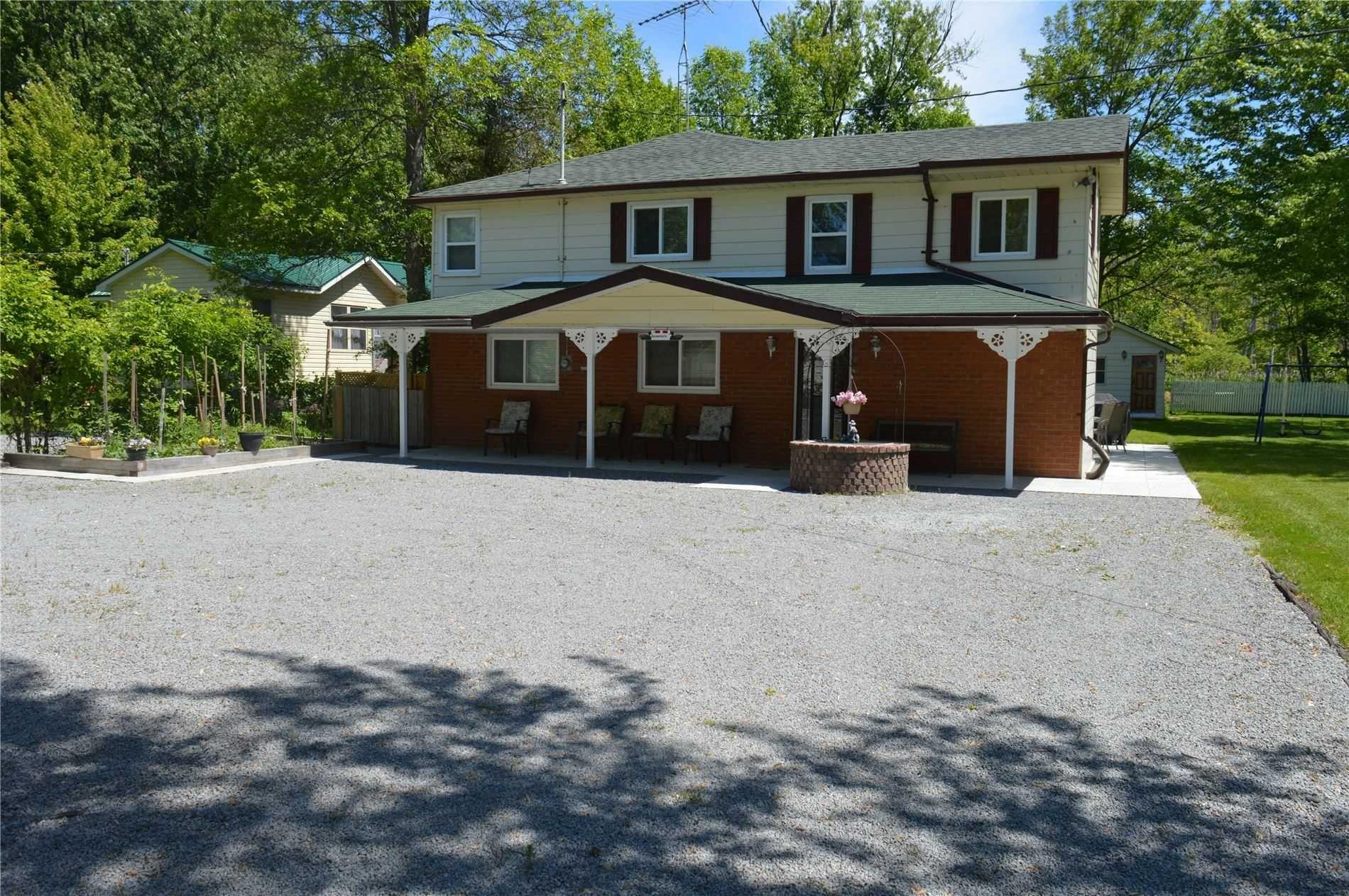 Main Photo: 2573 Lakeshore Drive in Ramara: Brechin House (2-Storey) for sale : MLS®# S5225573