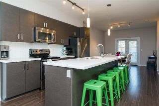 """Photo 6: 9 13886 62 Avenue in Surrey: Sullivan Station Townhouse for sale in """"FUSION BY LAKEWOOD"""" : MLS®# R2140969"""