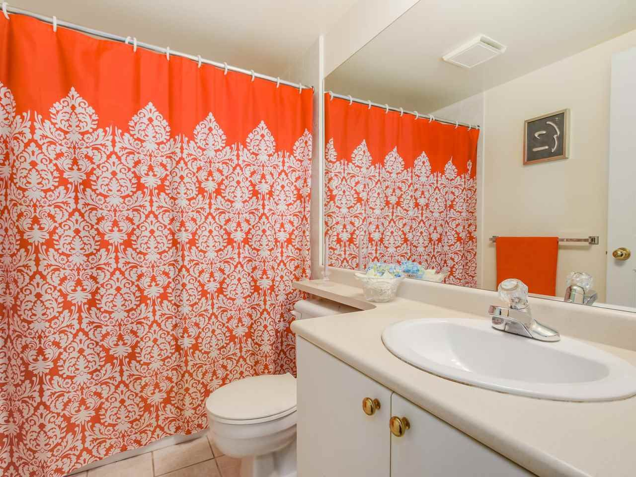 """Photo 7: Photos: 304 137 W 17 Street in North Vancouver: Central Lonsdale Condo for sale in """"Westgate"""" : MLS®# R2075830"""