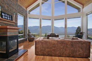 "Photo 2: 43228 HONEYSUCKLE Drive in Chilliwack: Chilliwack Mountain House for sale in ""Chilliwack Mountain Estates"" : MLS®# R2400536"