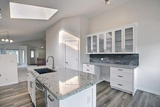 Photo 12: 140 Valley Meadow Close NW in Calgary: Valley Ridge Detached for sale : MLS®# A1146483