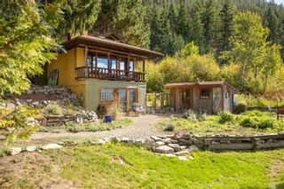 Photo 9: 8562 Harbour Heights Road, in Vernon, BC: House for sale : MLS®# 10241055