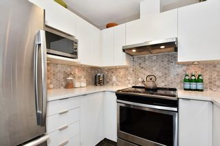 """Photo 9: 106 2588 ALDER Street in Vancouver: Fairview VW Condo for sale in """"BOLLERT PLACE"""" (Vancouver West)  : MLS®# R2429460"""