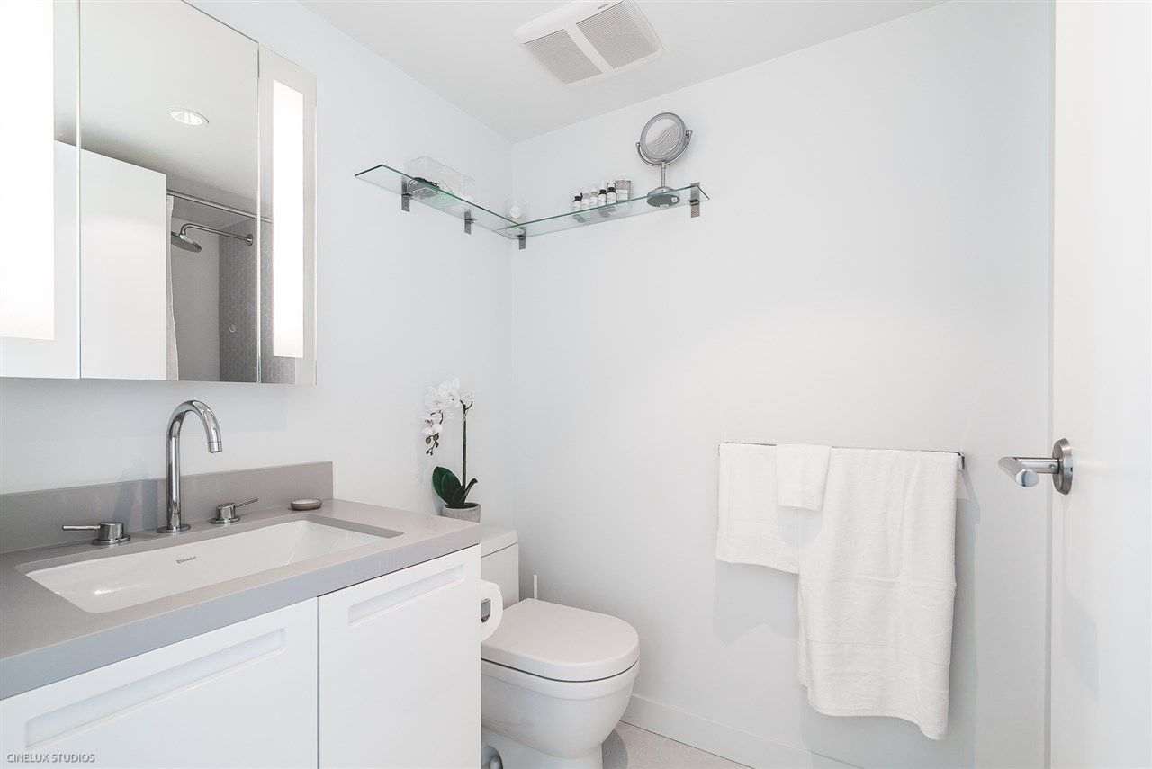 """Photo 9: Photos: 1806 188 KEEFER Street in Vancouver: Downtown VE Condo for sale in """"188 KEEFER"""" (Vancouver East)  : MLS®# R2257646"""