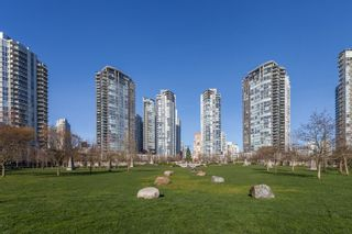 """Photo 18: 503 638 BEACH Crescent in Vancouver: Yaletown Condo for sale in """"Icon"""" (Vancouver West)  : MLS®# R2430003"""