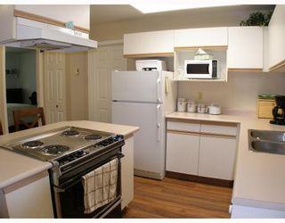 """Photo 4: B105 40120 WILLOW Crescent in Squamish: Garibaldi Estates Condo for sale in """"DIAMOND HEAD APARTMENTS"""" : MLS®# V777396"""