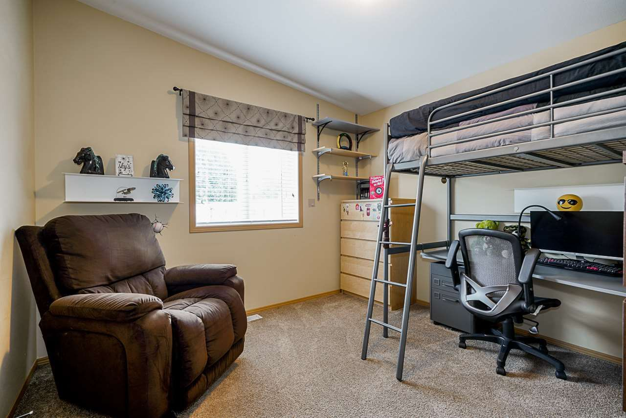"""Photo 17: Photos: 49 7790 KING GEORGE Boulevard in Surrey: East Newton Manufactured Home for sale in """"CRISPEN BAYS"""" : MLS®# R2493696"""