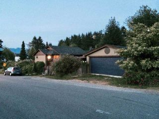 Photo 15: 665 BAY Road in Gibsons: Gibsons & Area House for sale (Sunshine Coast)  : MLS®# R2575309